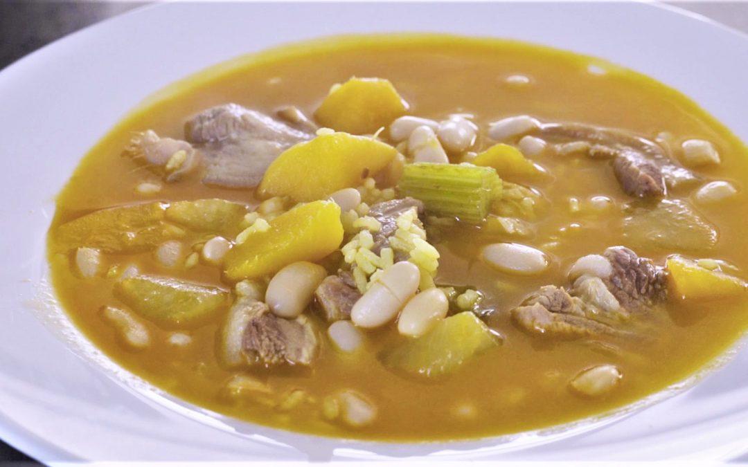 Arròs amb fesols i naps. Arroz con carne legumbres y verduras. Arroz valenciano.