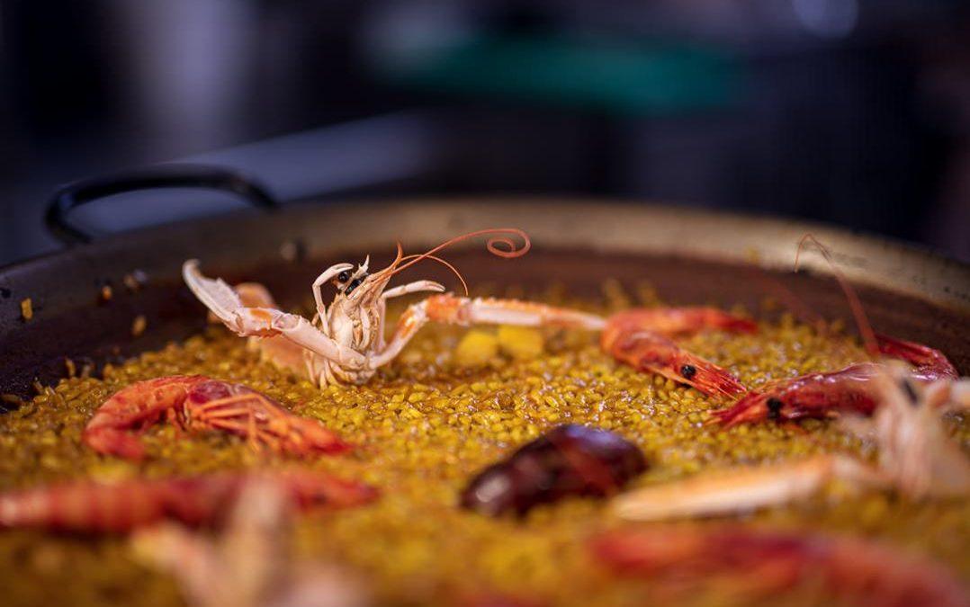 Paella de marisco valenciana auténtica