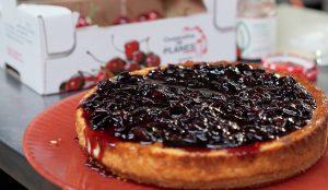 tarta de queso y mermelada de cerezas
