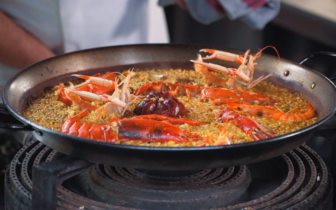 Paella de bogavante, arroz seco de marisco. Lobster rice.